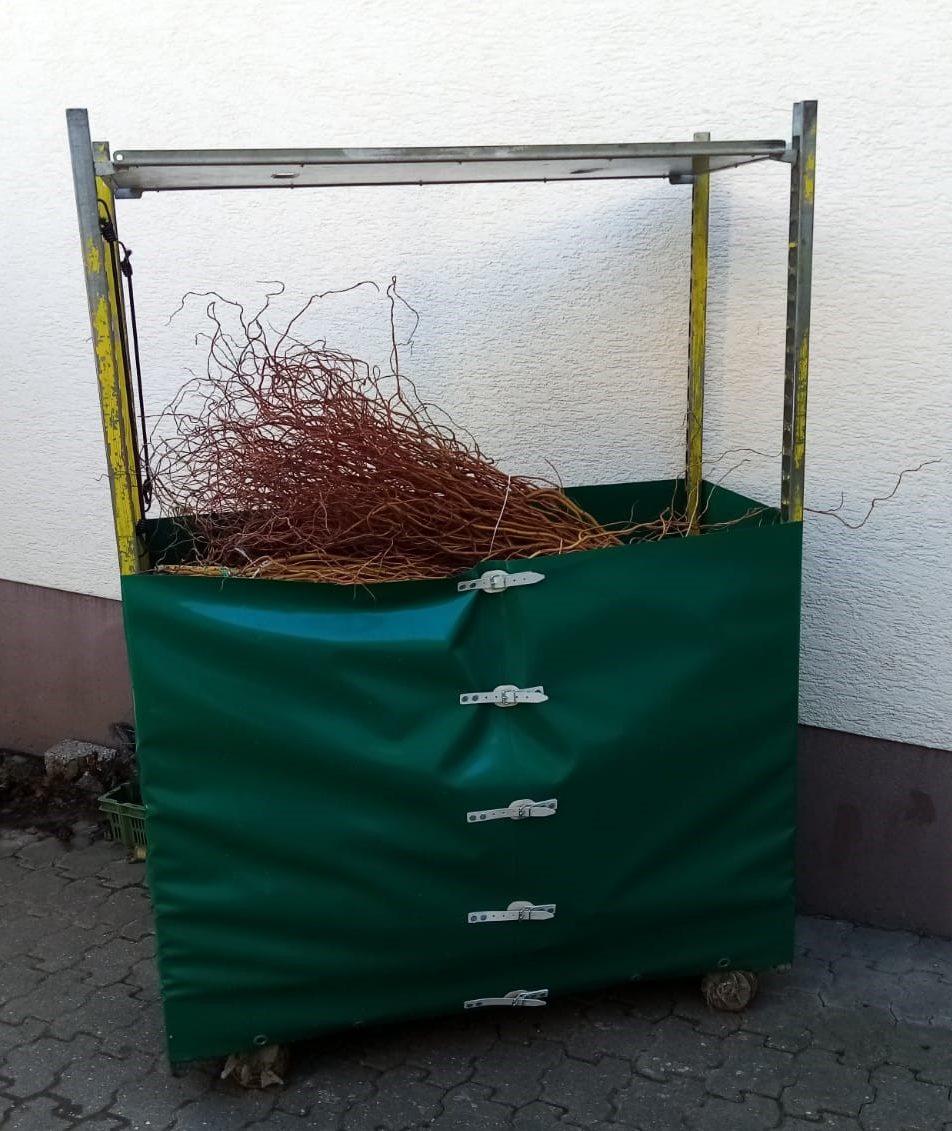 Blumenwagen gefüllt